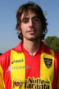 Gianni Munari con la maglia del Lecce (foto dal Fans Club su Facebook)
