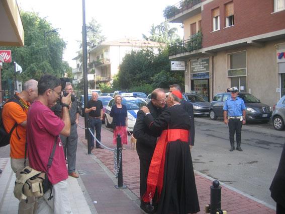 Monsignor Ruini davanti all'oratorio Don Bosco